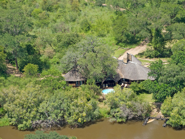 Sanctuary Chuma House - Zambezi River