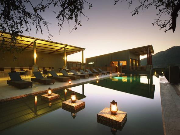 Shepherd's Tree Game Lodge - Lounger-lined pool