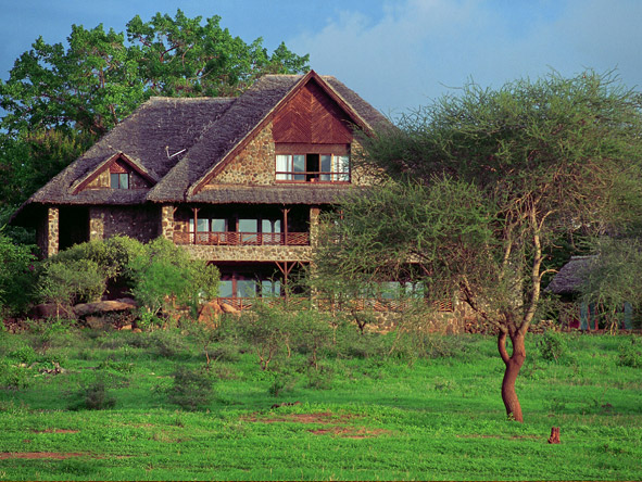Kilaguni Serena Safari Lodge - Stone-built lodge