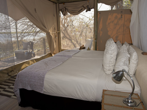 Thrilling Vic Falls & Botswana Safari - DumaTau Camp