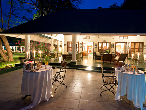 The River Club - Alfresco dining