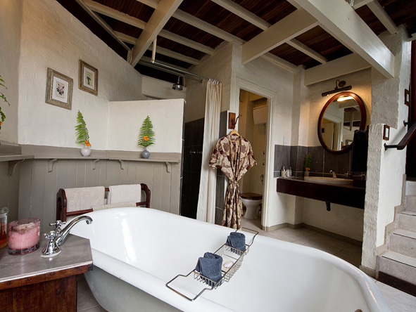 The River Club - En suite bathrooms