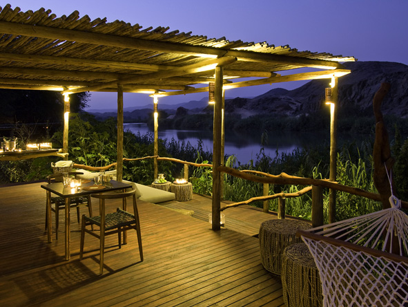 Serra Cafema Camp - Large outdoor space