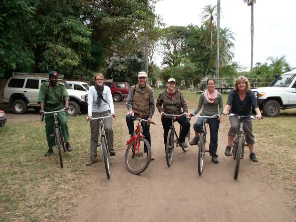 Ramona Cilliers - out on a mountain biking adventure with fellow travellers in Malawi