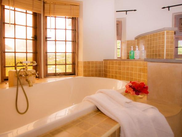 Machweo - Deep soak tub
