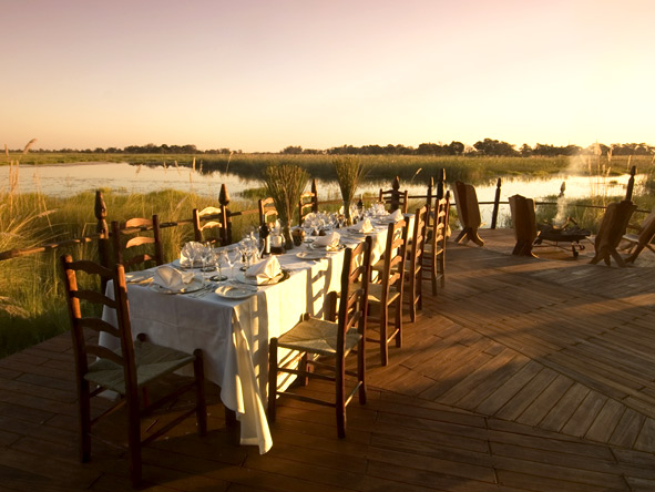 Exclusive Botswana Luxury Safari - Al fresco dining