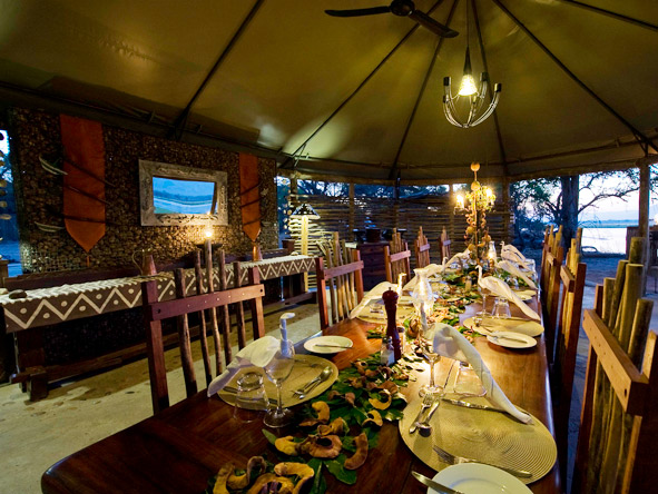 Zambia's Mana Pools and Zimbabwe's Kafue - 3-course dinners