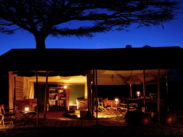 Serengeti Safari Camp - Camp sitting area