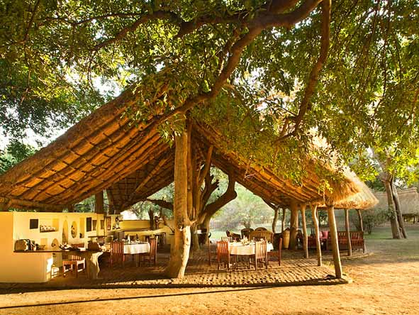 Tafika Lodge - Alfresco dining