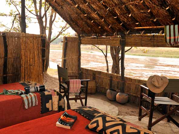 Mwaleshi Bush Camp - Riverside game viewing
