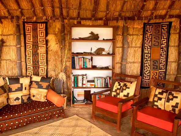 Mwaleshi Bush Camp - Lounge