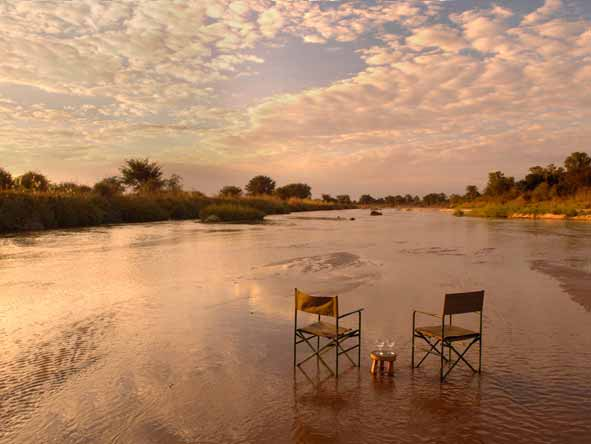 Mwaleshi Bush Camp - Spectacular sunsets