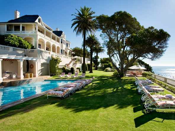Classic South Africa in Style - Tree-shaded lawns