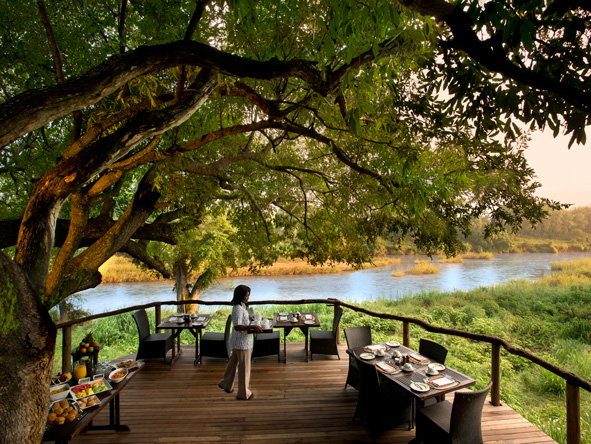 Lion Sands Narina Lodge - Alfresco dining