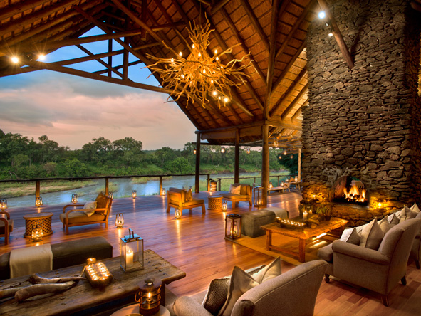 Lion Sands Narina Lodge - Main viewing deck