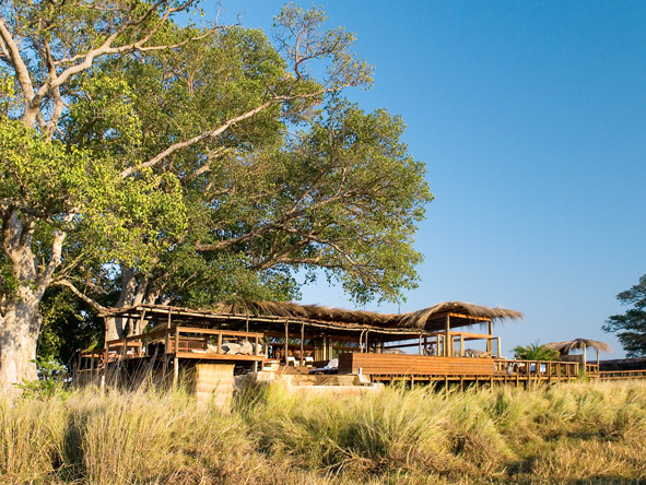 Shumba Bush Camp - Viewing deck