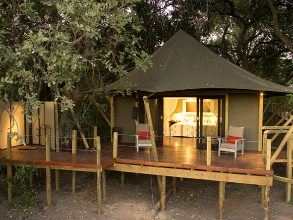 Chitabe Camp - Private viewing deck