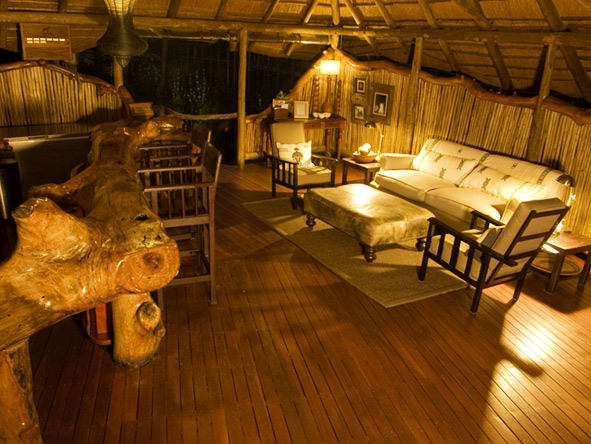 Chitabe Camp - Comfortable lounge