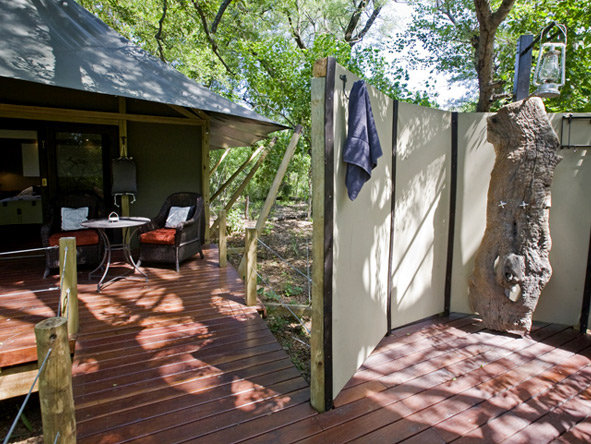 Chitabe Camp - Outdoor shower