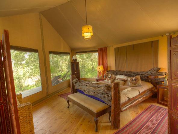 Sala's Camp - Organic materials