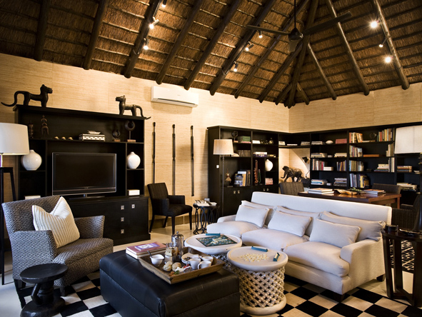 Lion Sands Ivory Lodge - Colonial-style lounge