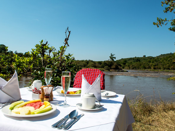 Mara Serena Safari Lodge - Mara River
