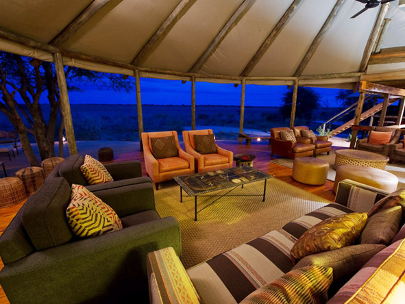 Kalahari Plains Camp -Spacious lounge