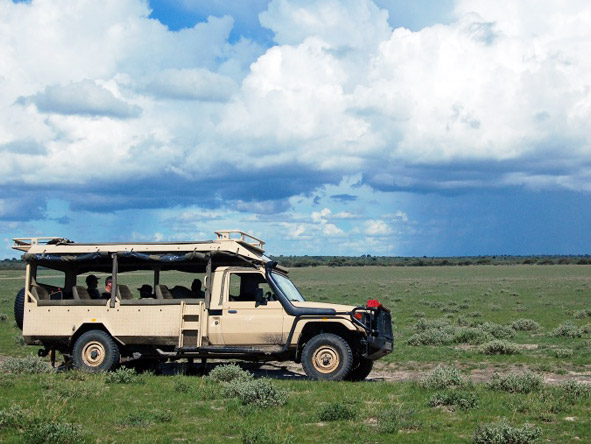 Kalahari Plains Camp - Open-sided 4x4s