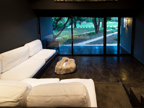 Latitude 13 degrees - Comfortable lounge