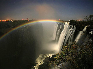 Things to do in Zambia - Victoria Falls lunar rainbow