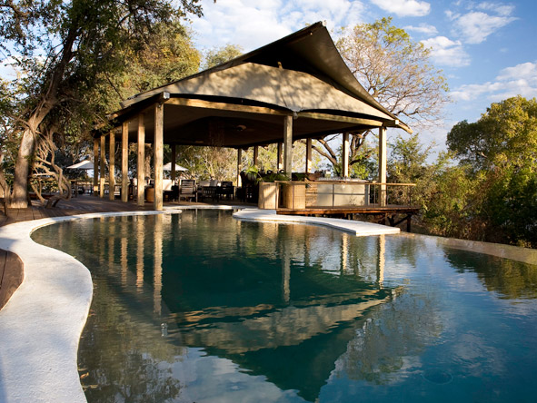 Luxurious Vic Falls & Botswana Safari - Prime accommodation locations