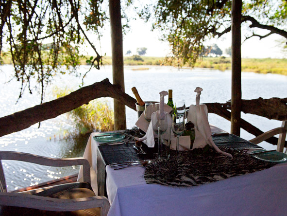 Luxurious Vic Falls & Botswana Safari - Stunning dining locations