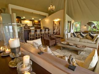 Canvas & Candlelight - Stanley's Camp in the Okavango Delta