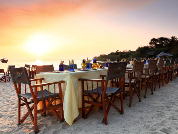 Kungwe Beach Lodge - Alfresco dining