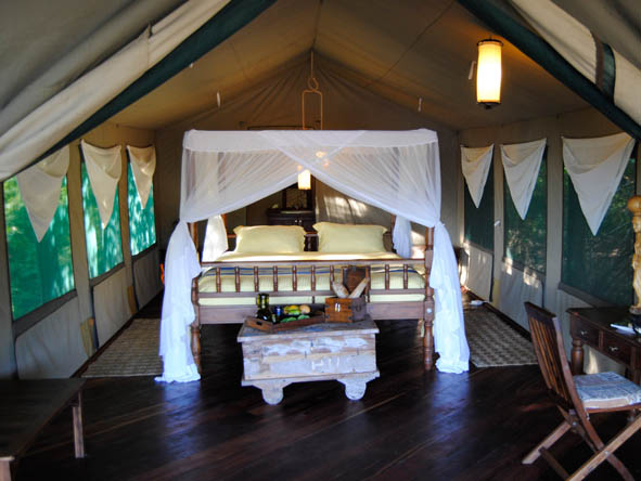 Kungwe Beach Lodge - Spacious tented suites