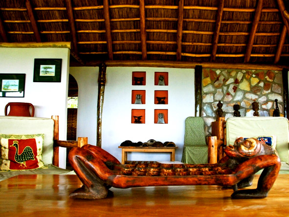 Lake Mbruro Camp - Traditional African design