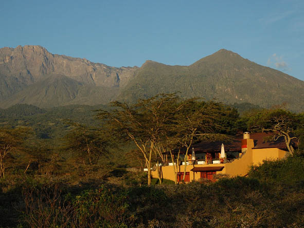 Hatari Lodge - Ideal Tanzania intro