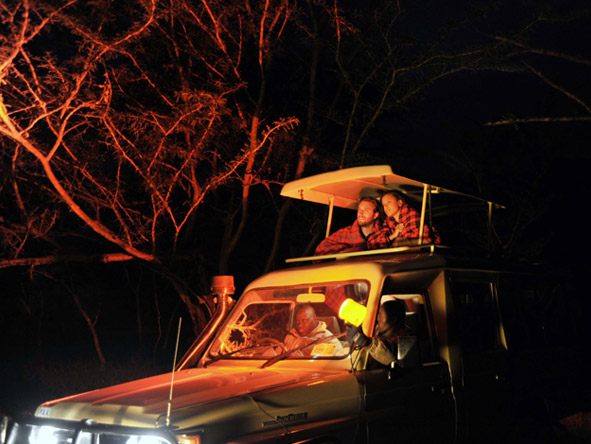 Sweetwaters Tent Camp - Night game drives