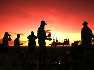 A Guide's Guide to Mobile Safaris - your guide organising drinks