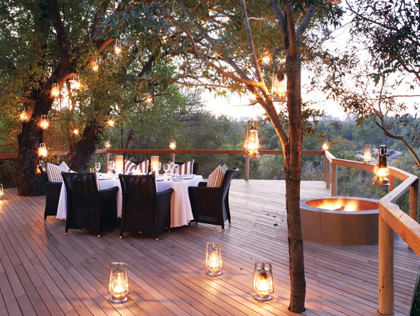 Londolozi camps are known for their exquisite cuisine - best enjoyed under the African stars.