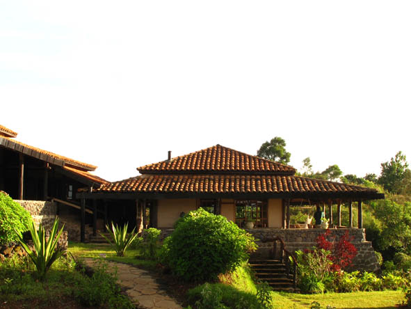 Volcanoes Virunga Lodge - Lush gardens