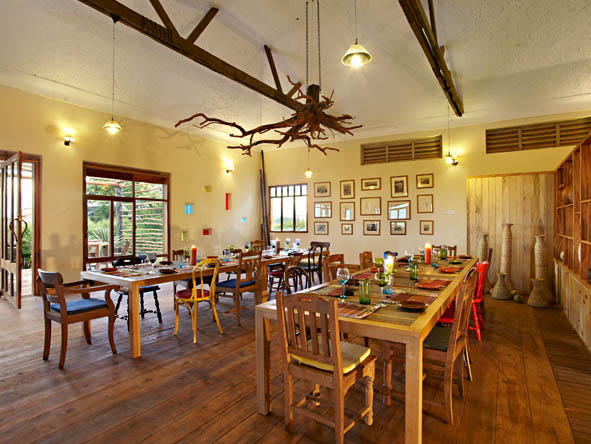 Kyambura Gorge Lodge - Casual dining