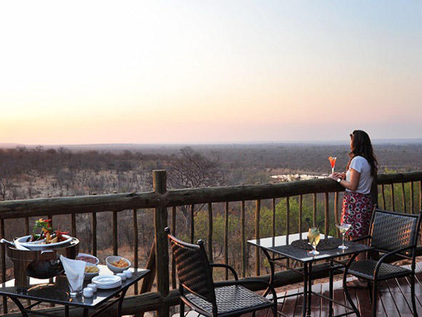 Victoria Falls Safari Club - Waterhole vieiwng