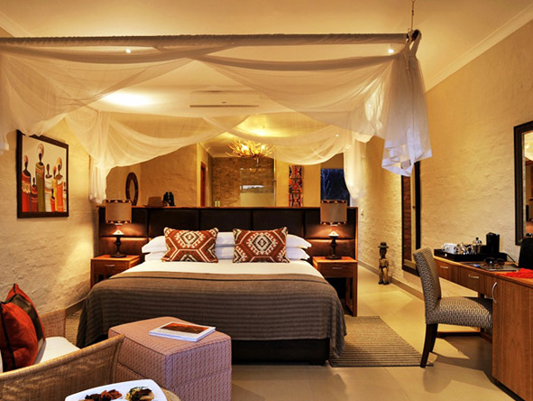 Victoria Falls Safari Club - African atmosphere