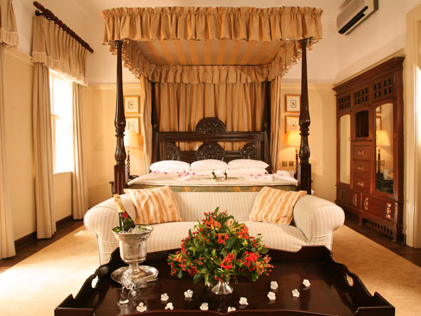 Classic Cape Town, Kruger & Victoria Falls - Extravagant bedrooms