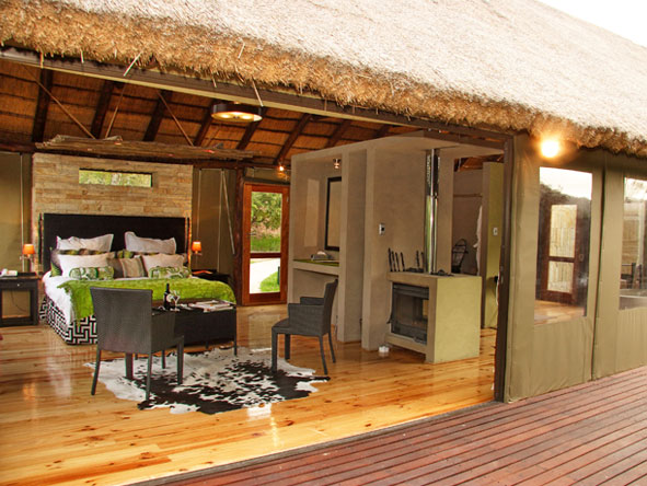 Bayethe Tented Lodge - Private viewing decks