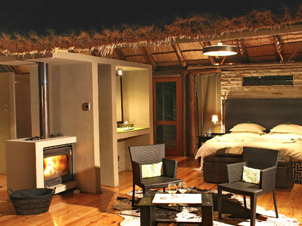 Bayethe Tented Lodge - In-room fireplaces