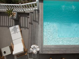 Top Beach Hotels in Cape Town - Sea Five pool