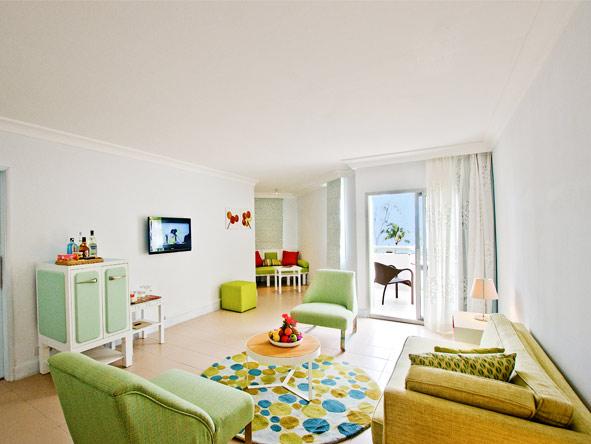 Ambre Resort - Bold & Fresh