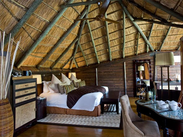 Serena Mivumo River Lodge - Authentic safari ambience